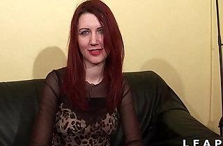 Jolie rouquine aux petits seins sodomisee et facialisee pour son casting porno.  xxx porn
