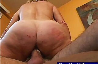 Granny seriously cumming.  xxx porn