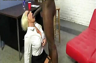Big Black Bull for Hot Blonde Cougar.  xxx porn