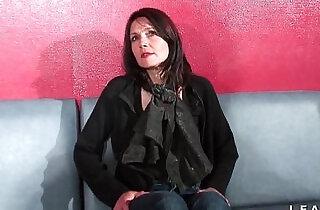 Cougar francaise sodomisee et prise en double penetration pour son casting porno.  xxx porn