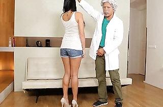 Porno mexicano, Profesor a punto de cogerse colegiala deliciosa.  xxx porn