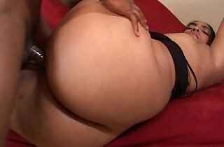 ghetto hoe showing off her dick sucking skills and fuck.  xxx porn