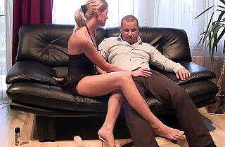 Jenna Foxxx blow me and jerks me well.  xxx porn