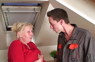 Nasty granny spreads legs for two cocks.  young-old   xxx porn