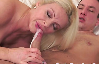 Cougar lady banged nicely and jizzed in mouth.  xxx porn