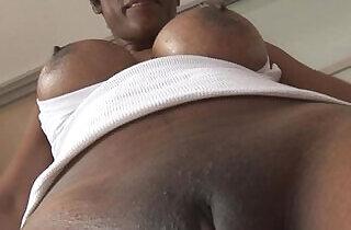 Busty ebony babe in tight spandex cameltoe tease.  xxx porn