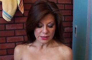 Gorgeous amateur has a juicy pussy.  xxx porn