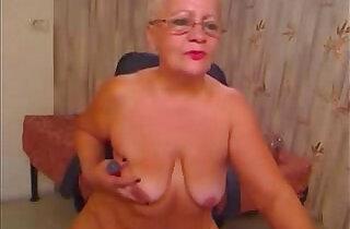 Pervert grandma having fun on web cam. Real party amateur.  xxx porn
